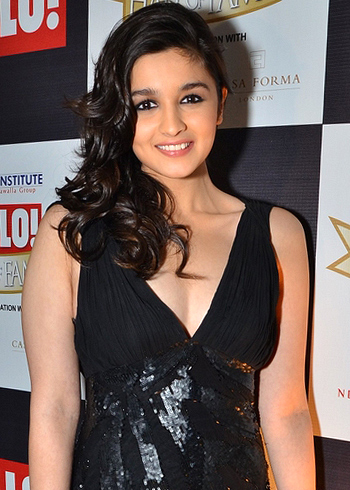 Alia Bhatt Height Weight Age Bra Size Affairs Body Status