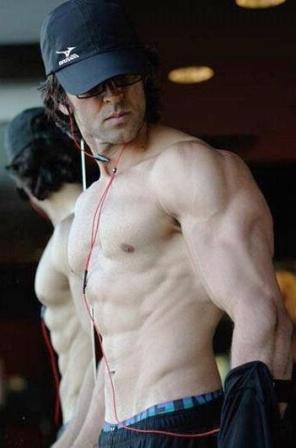 Hrithik Roshan Height Weight Age Affairs Body Stats