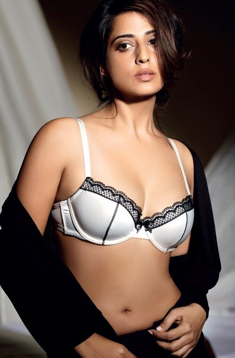 Mahi Gill Height Weight Age Bra Size Affairs Body Status