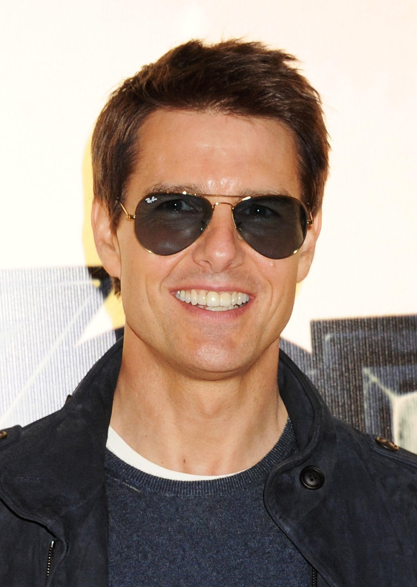 Tom Cruise Height Weig...
