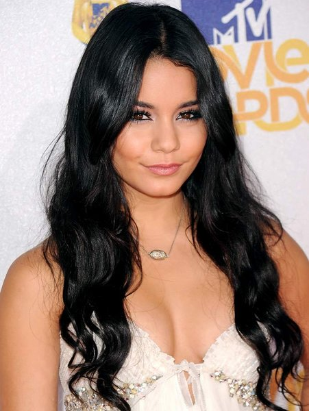 Vanessa Hudgens Height Weight Age Bra Size Affairs Body Stats