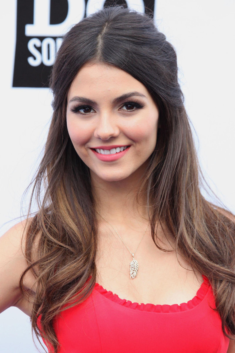 Victoria Justice Height Weight Age Bra Size Affairs Body Stats