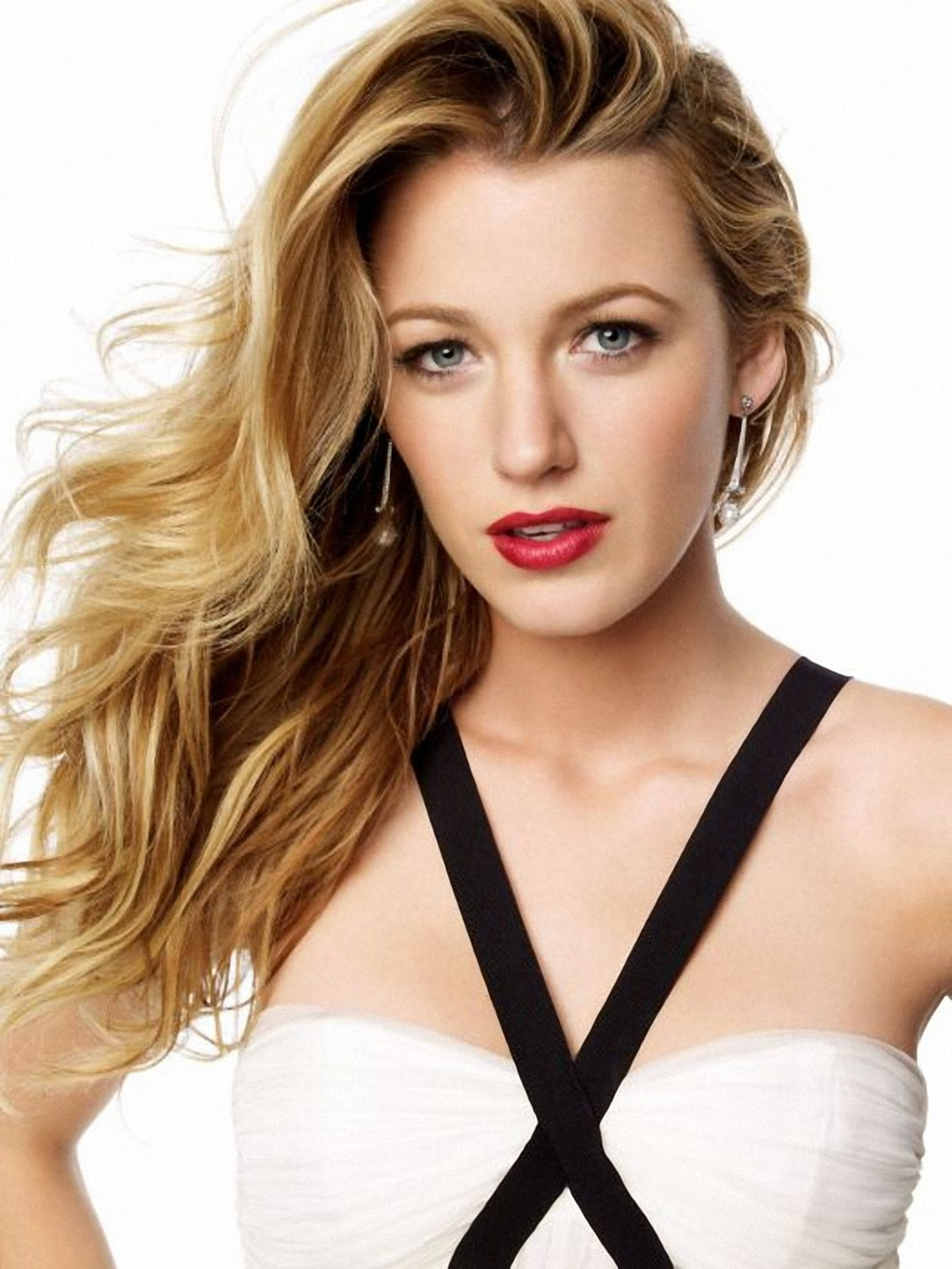 Blake Lively Height Weight Age Bra Size Affairs Body Stats