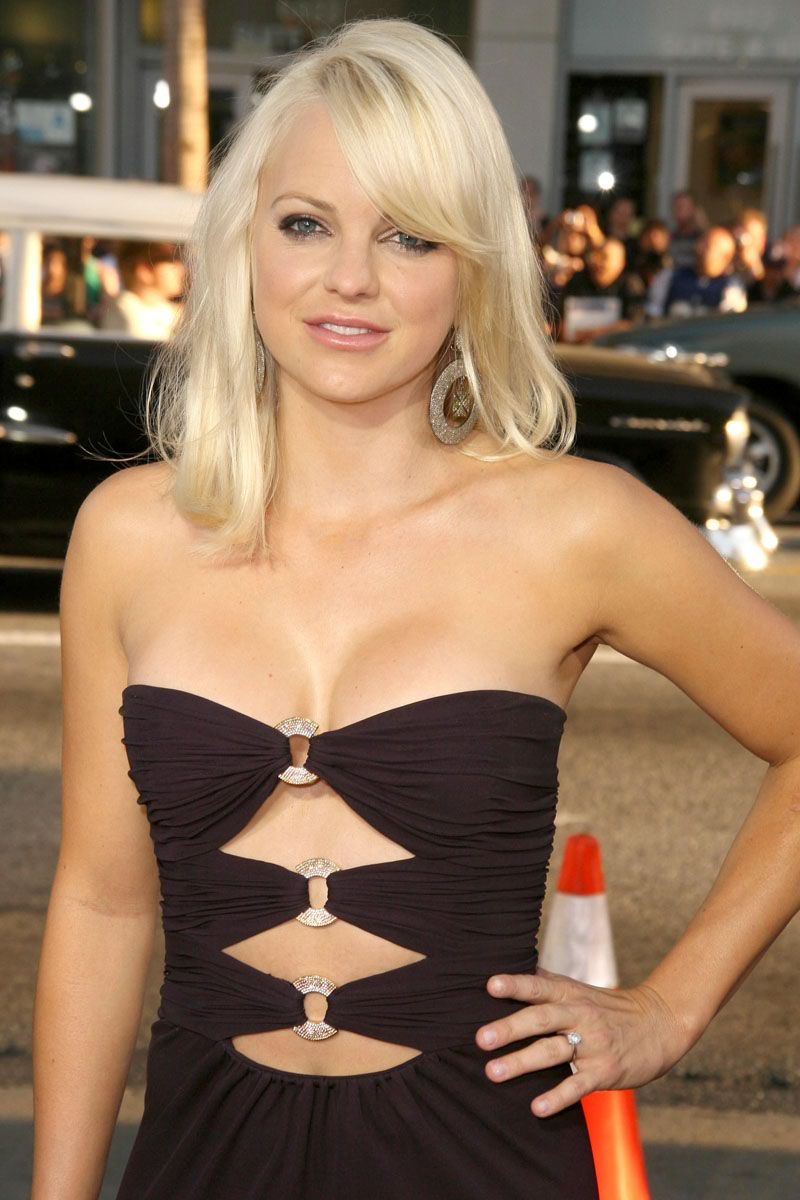 Anna Faris Height Weight Age Bra Size Body Stats Affairs Boy Friends