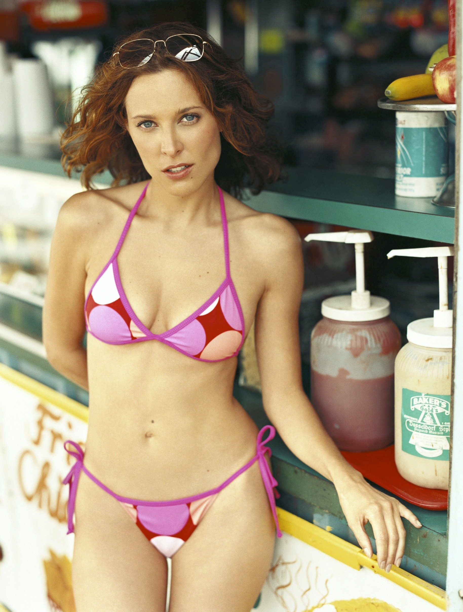 Erin Daniels Height Weight Age Bra Size Body Stats Affairs Boy Friends