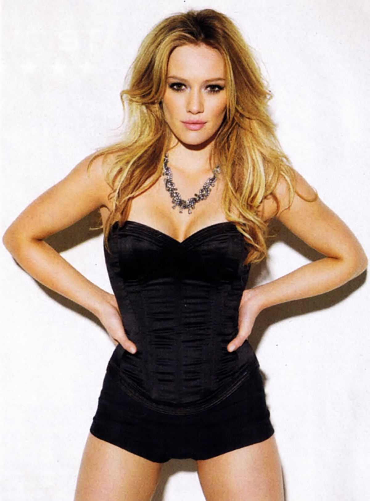 Hilary Duff Height Weight Age Bra Size Affairs Body Measurements