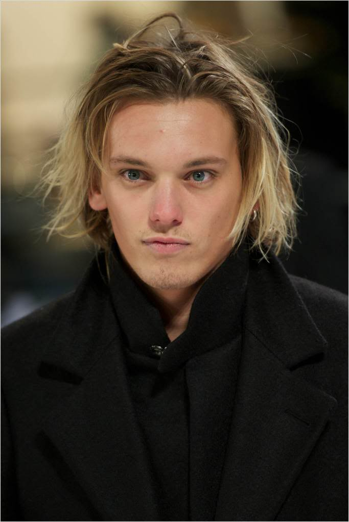 Jamie Campbell Bower Height Weight Age Affairs Girlfriend Body Stats Details