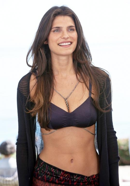 Lake Bell Height Weight Age Bra Size Affairs Body Stats