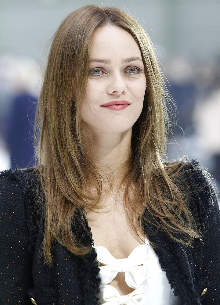 Vanessa Paradis Height Weight Age Bra Size Body Stats Affairs Boy Friends