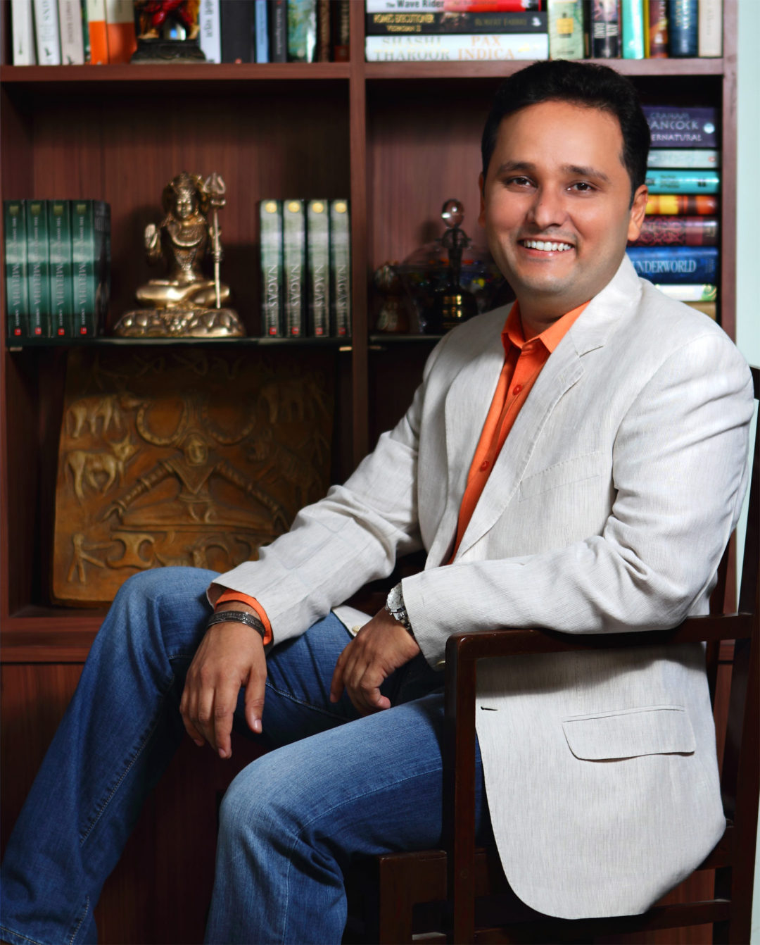 amish-tripathi-height-weight-age-affairs-body-measurements-3