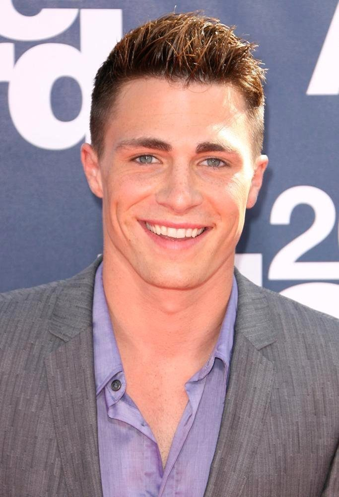 colton-haynes-height-weight-age-body-measurements-affairs-girlfriends-3
