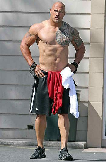 dwayne-johnson-the-rock-height-weight-age-affairs-body-stats-bollywoodfox-2