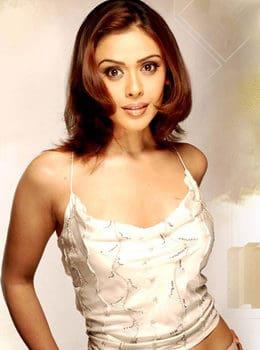 hrishitaa-bhatt-height-weight-age-bra-size-affairs-body-status-bollywoodfox-2