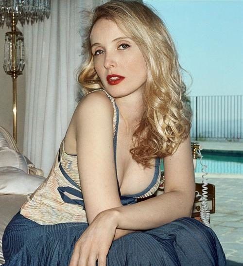 julie-delpy-height-weight-age-bra-size-body-stats-affairs-boy-friends-details-3