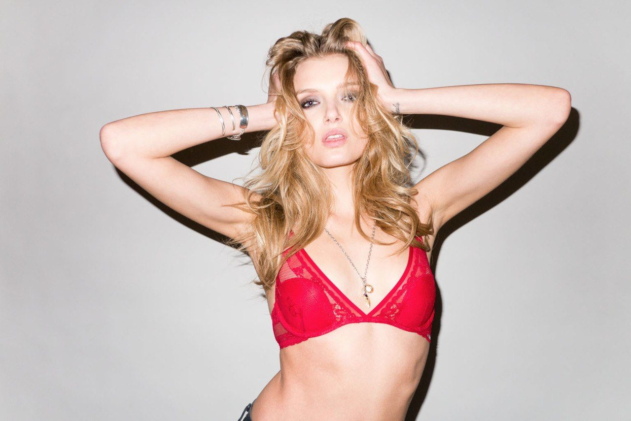 lily-donaldson-age-affairs-height-weight-bra-size-body-statistics-3