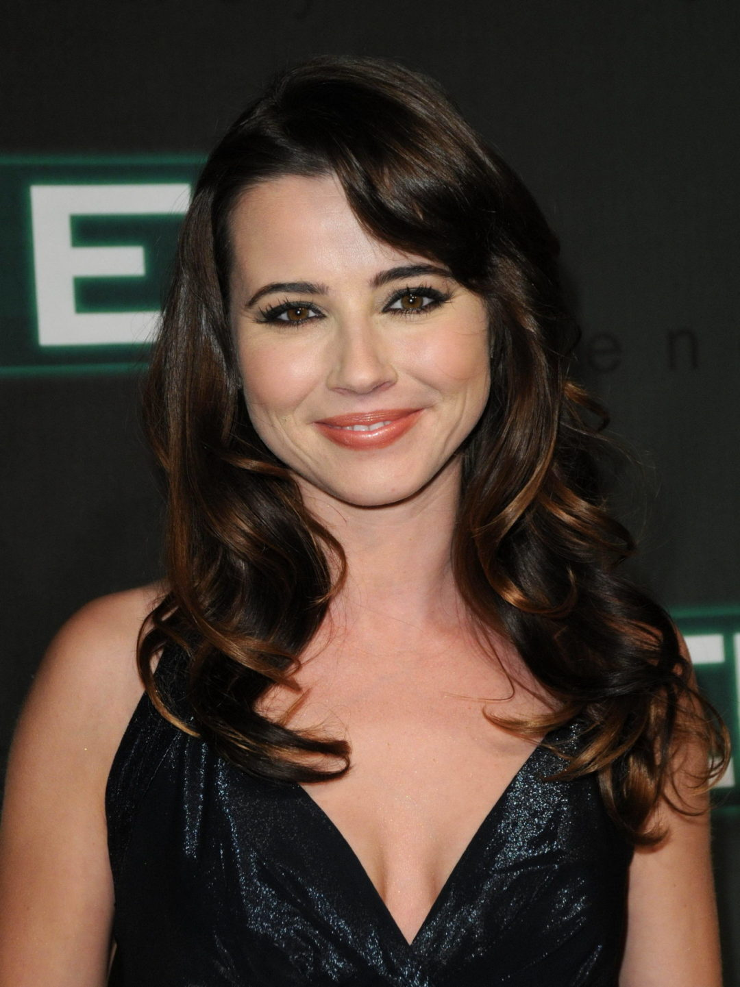 Linda Cardellini Height Weight Age Affairs Body Stats