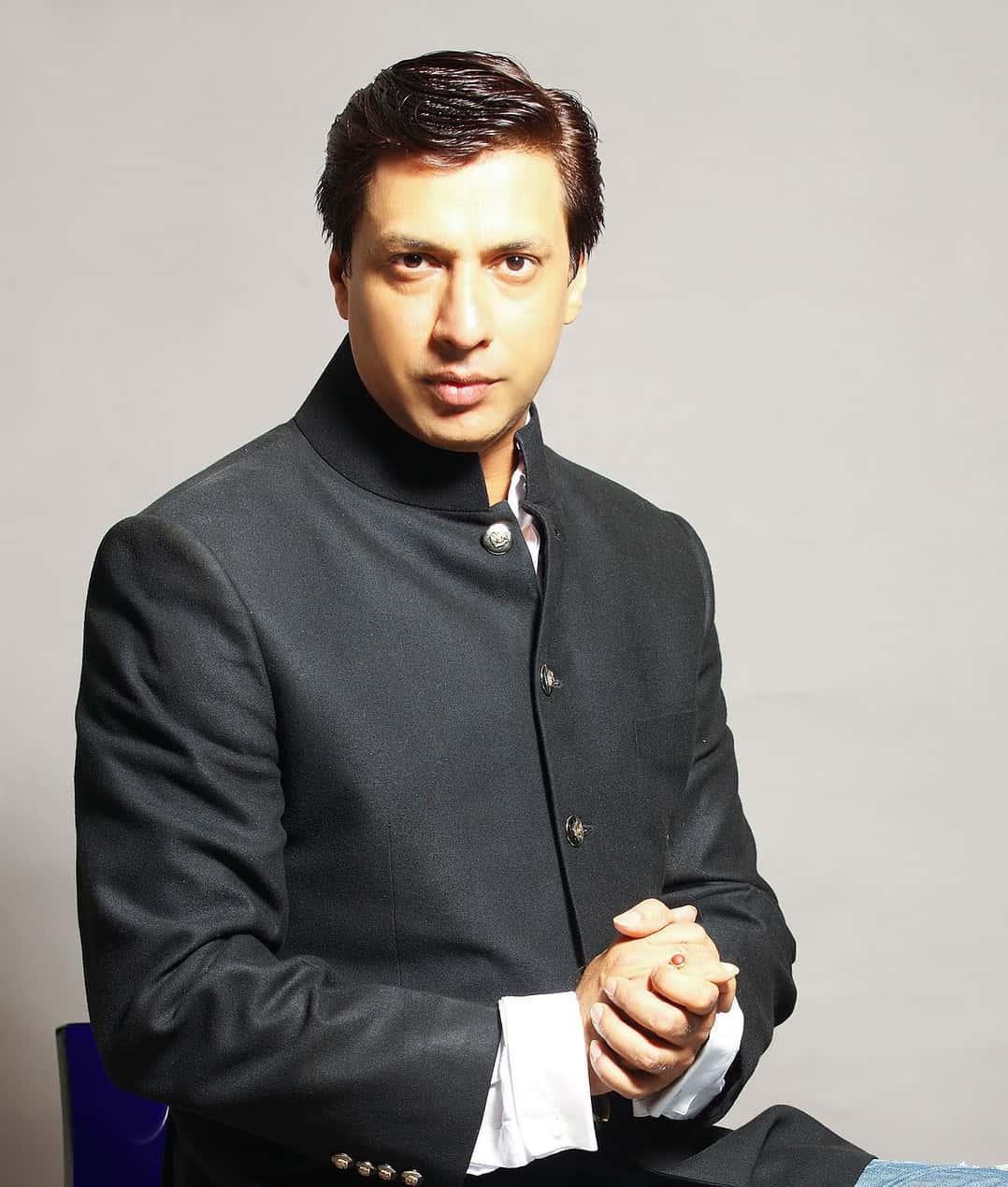 madhur-bhandarkar-height-weight-age-affairs-body-stats-bollywoodfox-2