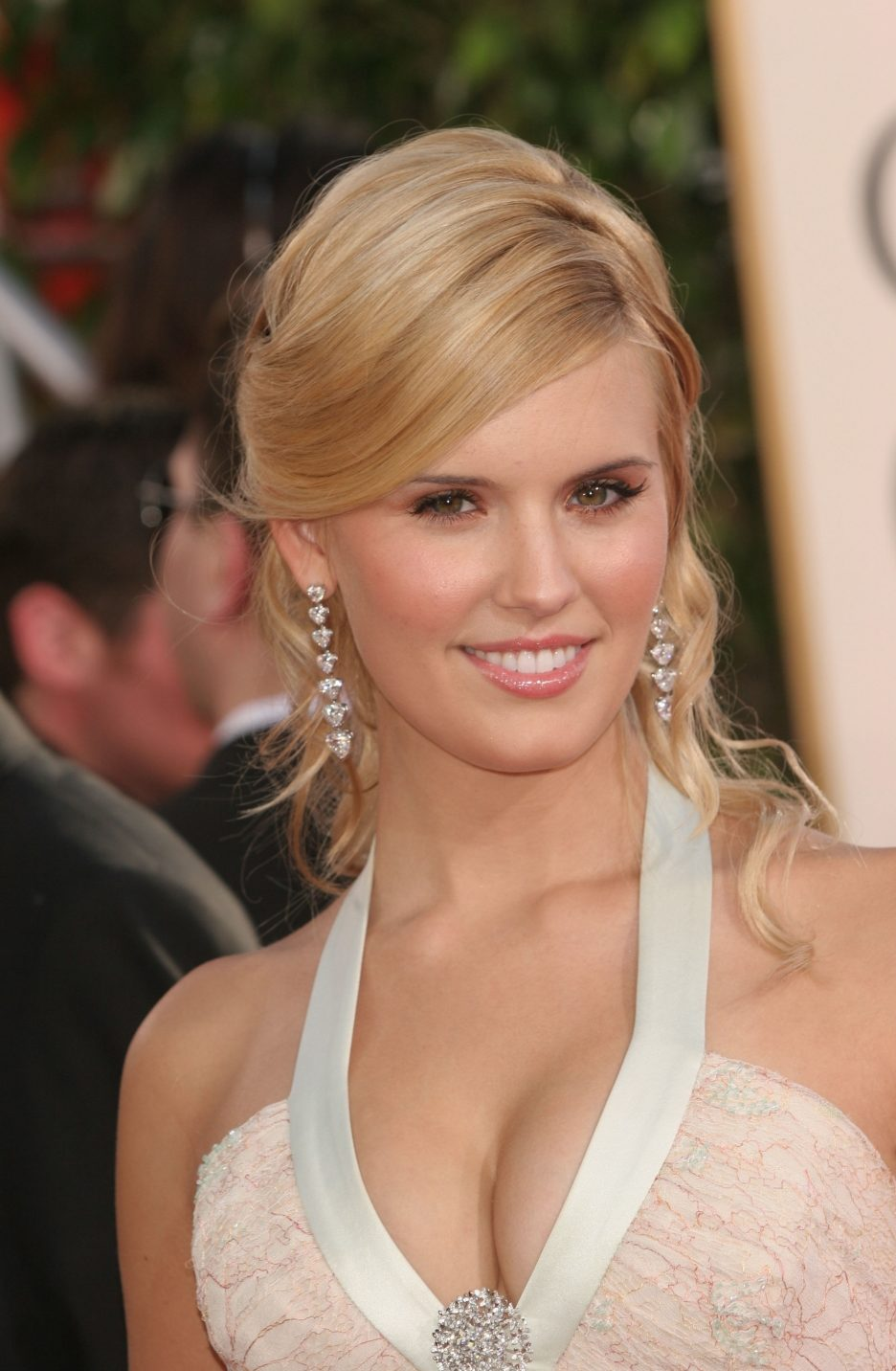 Maggie Grace Bra Size Age Weight Height Measurements   Dog