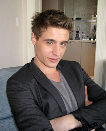 max-irons-height-weight-age-bicep-triceps-body-measurements-affairs-3