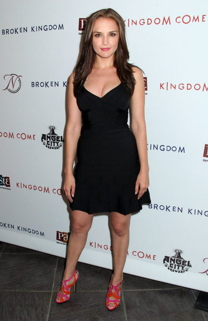 rachael-leigh-cook-height-weight-age-bra-size-body-measurements-affairs-boy-friends-3