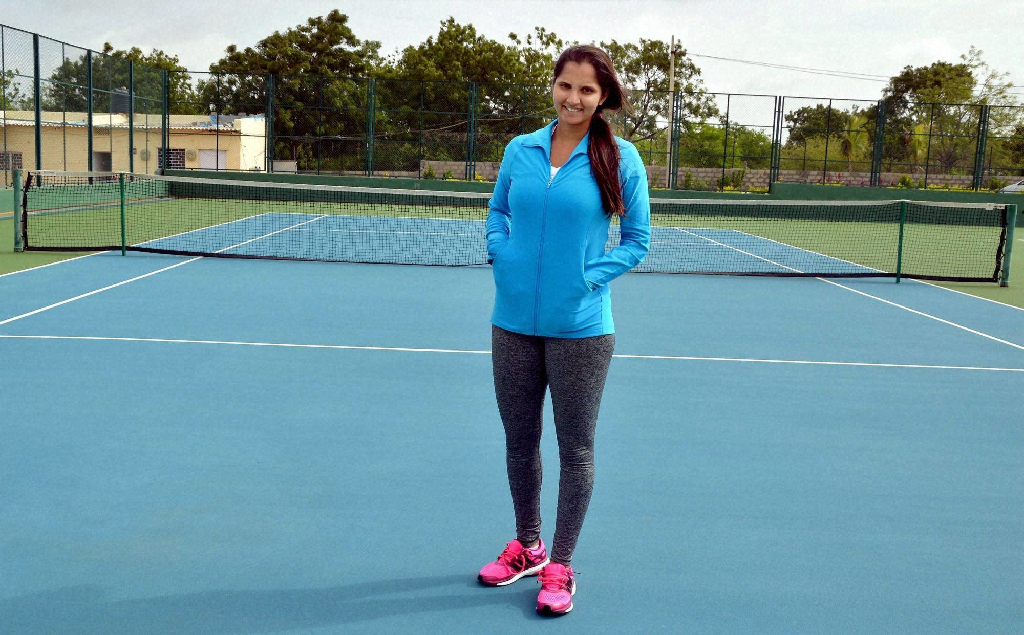 sania-mirza-at-a-practice-session-2