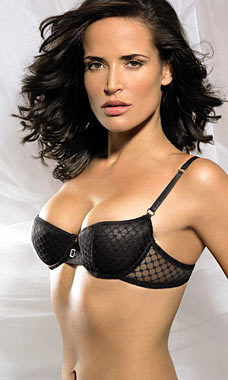 sophie-anderton-height-weight-age-bra-size-affairs-body-stats-bollywoodfox-2