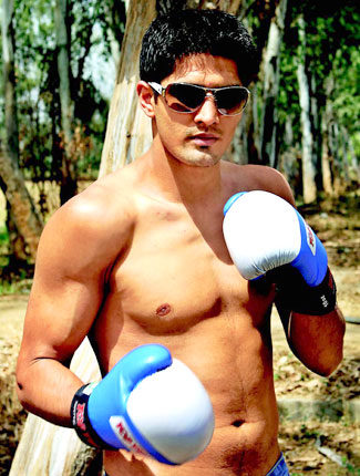 vijender-singh-height-weight-age-affairs-body-measurements-3