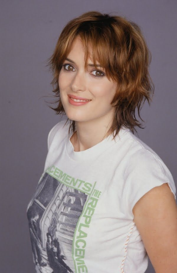 winona-ryder-height-weight-age-bra-size-body-stats-affairs-boy-friends-detail-3